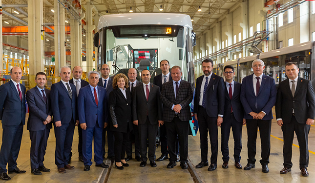 Sanayi ve Teknoloji Bakan yardımcısı Durmazlar Makina'yı ziyaret etti.